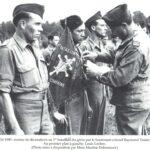 Remise de décorations à l'été 1945