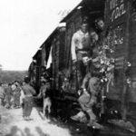 7 juin : embarquement dans le TGV militaire de l'époque qui nous conduisit en 2 jours (arrivée le 9) près de Paris en vue du défilé de la Victoire du 18 juin 1945