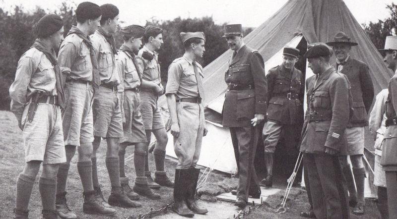 Le général de GAULLE et les Cadets