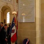Notre porte drapeau a la fin de l'hommage au Gl de Bir Hakeim
